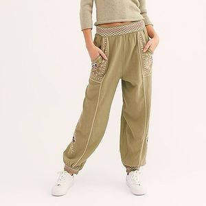 Free People Camellia jogger pants size XS green